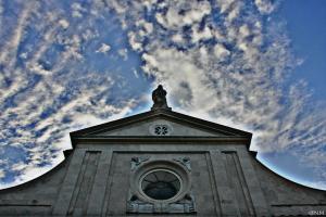 La facciata del Santuario - foto Meroli N.