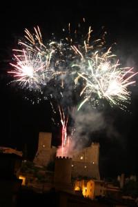 I fuochi della Civita. Spettacolo pirotecnico al castello - foto Meroli M.